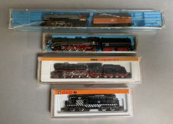 N Gauge Arnold 5043 AT & SF Engine, Arnold 0221 4-6-2 Steam Loco, Both VG, together with 2 Rivarossi