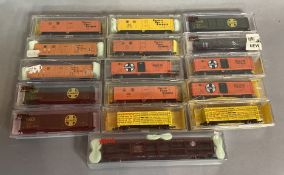 Ex-Shop Stock N gauge Atlas x16 rolling stock (16).