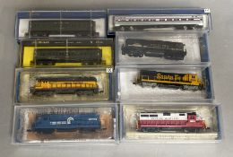 N Gauge Bachmann US Diesel loco 63587 Western Maryland and 4 other engines , together with 3 items o