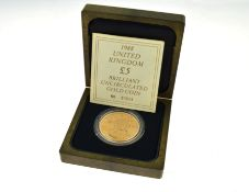 ROYAL MINT - A £5 22ct gold uncirculated Royal Mint coin in original fitted box & certificated, no