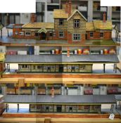 O Gauge. An impressive Station Building together with two Platforms and six ramps, of mostly