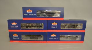 OO Gauge. 5 boxed Bachmann DCC Steam Locomotives including 31-526 Class A2 4-6-2 60537 Bachelor