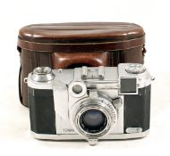 Zeiss Ikon Tenax II 35mm CRF Camera. (wear to chrome parts, hence condition 5/6F). With Sonnar 4cm