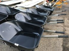 4x Heavy duty builder's wheelbarrows