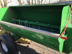 Single axled towed muck spreader, chain flail emptying, unused