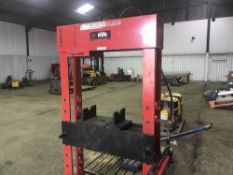 LARGE HYDRAULIC PRESS UNIT, EX COMPANY LIQUIDATION