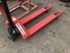 GRANT HANDLING PALLET TRUCK Sold Under The Auctioneers Margin Scheme, NO VAT Charged on the hammer