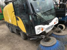 JOHNSON COMPACT SIZED SWEEPER WITH SPARE BRUSHES REG:GX03 BZB WITH V5 when tested was seen to start,