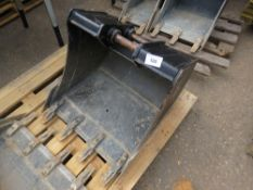 "JCB 24"" TOOTHED DIGGER BUCKET ON 35MM PINS"