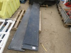 PAIR OF LOADING RAMPS