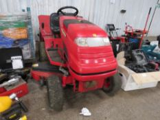 COUNTAX C800HE RIDE ON MOWER C/W COLLECTOR WHEN TESTED WAS SEEN TO RUN AND DRIVE AND MOWER TURNED