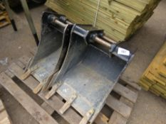 "2X BUCKETS: JCB 18"" & 12"" TOOTHED DIGGER BUCKETS ON 35MM PINS"