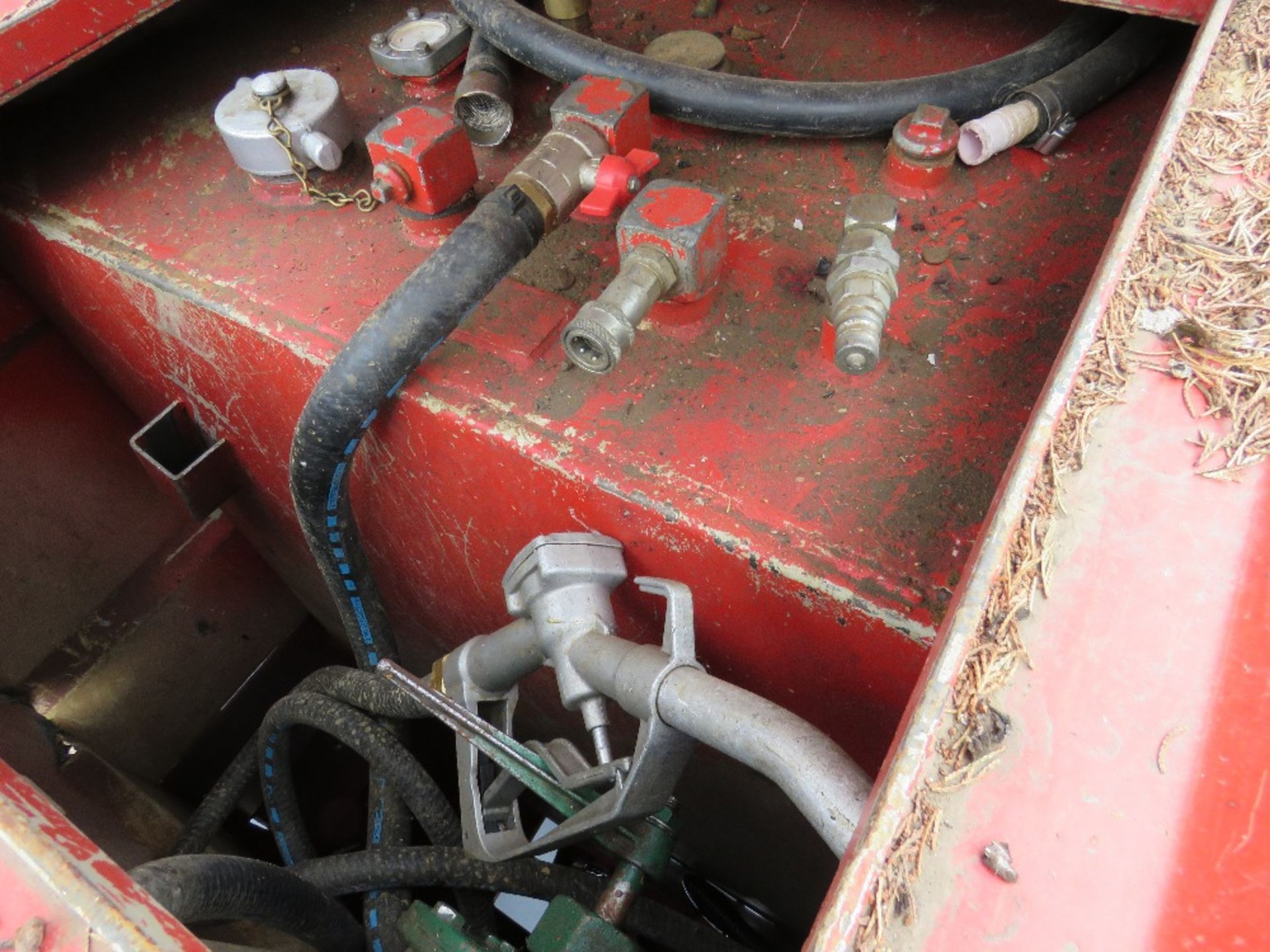 Lot 48 - Transcube 2000litre coffin tank NEEDS REPAIR TO BUND