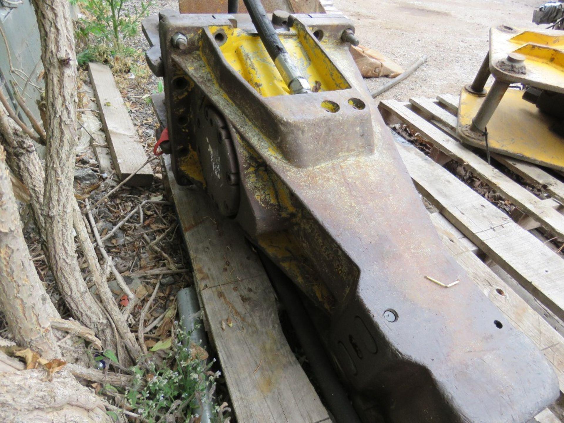 Lot 23 - ATLAS COPCO BREAKER TO SUIT AN 8 TONNE EXCAVATOR, ON 50MM PINS