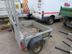 SMALL SIZED PORTABLE TRAFFIC LIGHT TRAILER