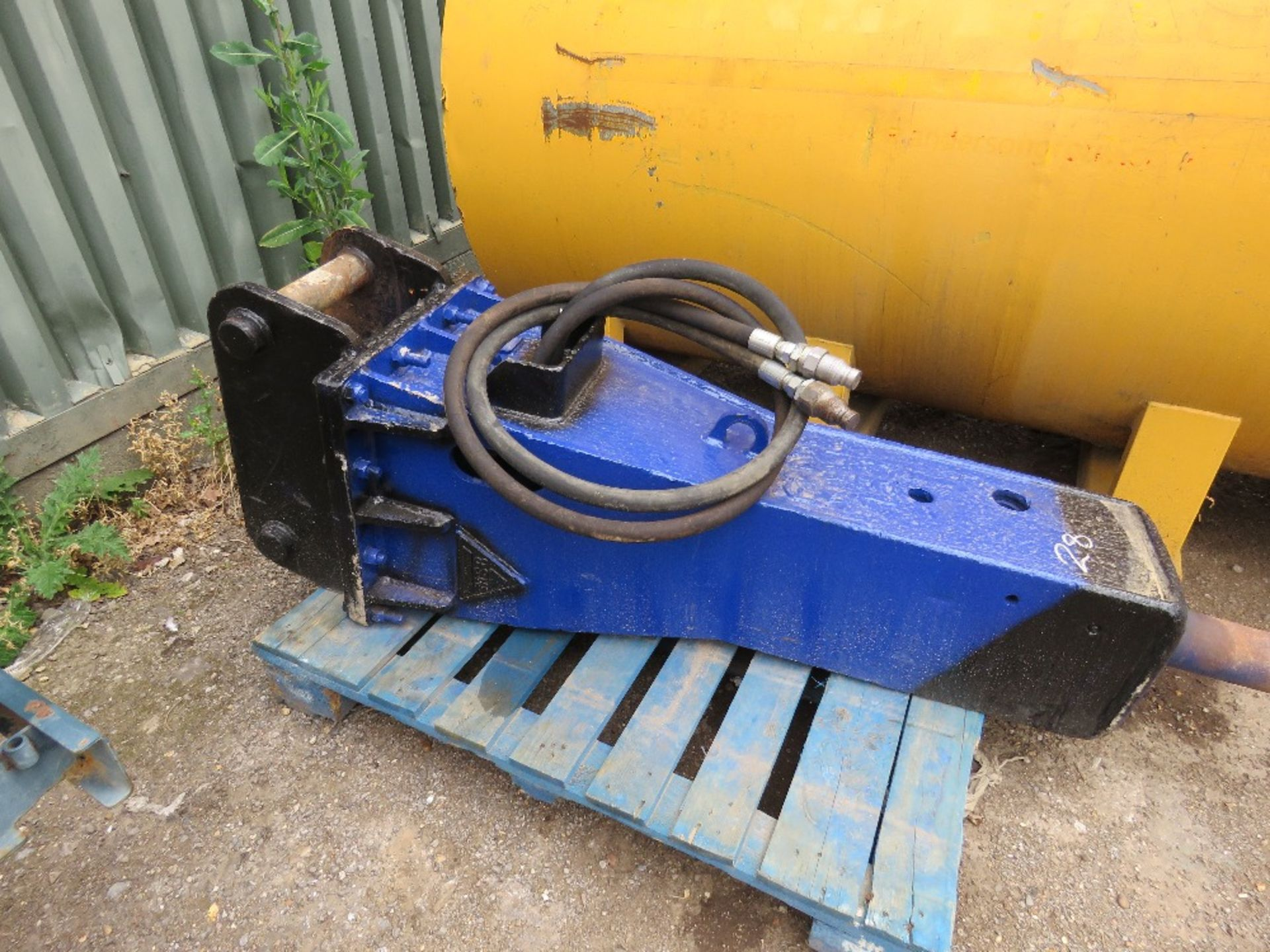 Lot 28 - MSB BREAKER SUITABLE FOR 13TONNE EXCVAVATOR