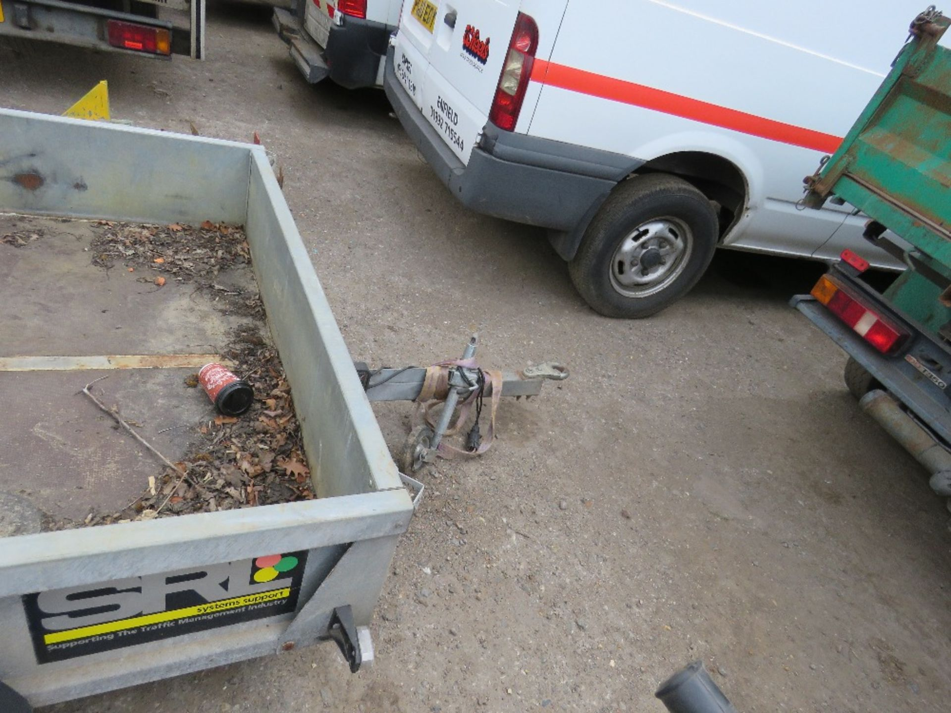 Lot 61 - SMALL SIZED PORTABLE TRAFFIC LIGHT TRAILER