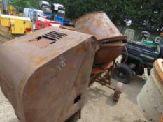 DIESEL ENGINED SITE MIXER HANDLE START, WHEN TESTED WAS SEEN TO RUN AND DRUM TURNED, NO HANDLE
