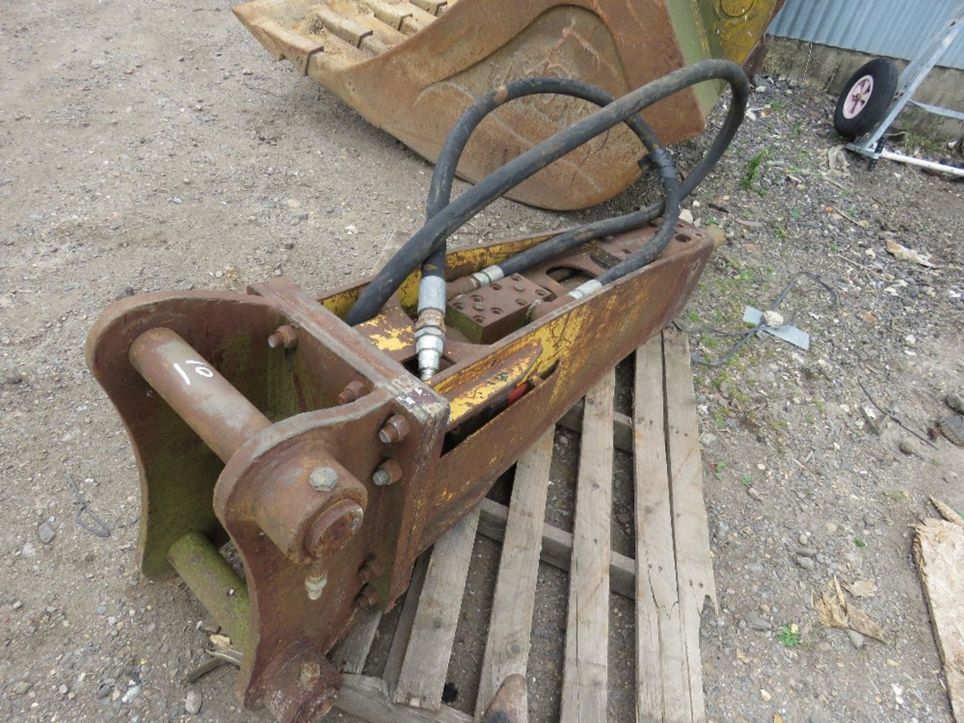 Lot 10 - INDECO STYLE BREAKER 8-13TONNE RATED
