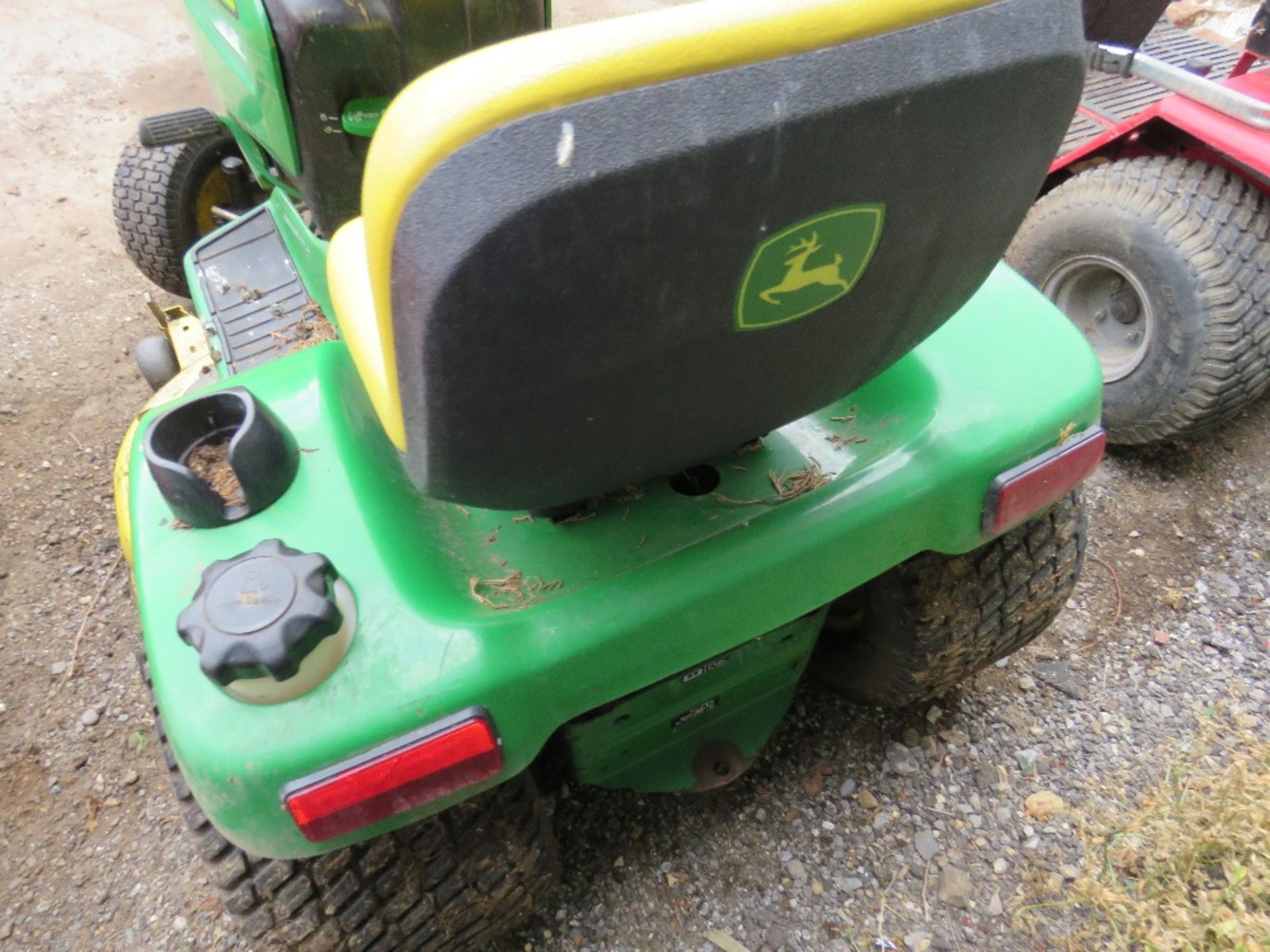 Lot 16 - JOHN DEERE GT235 RIDE ON MOWER YR2003 when tested was seen to start, run and drive