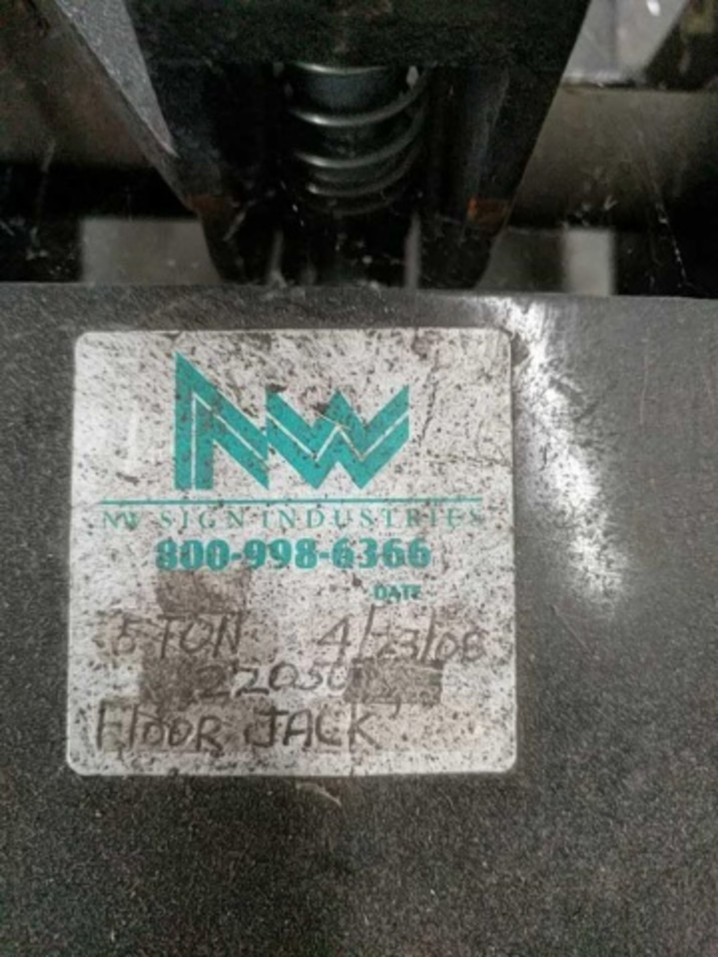 Hydraulic Floor Jack model 22050C - Image 3 of 3