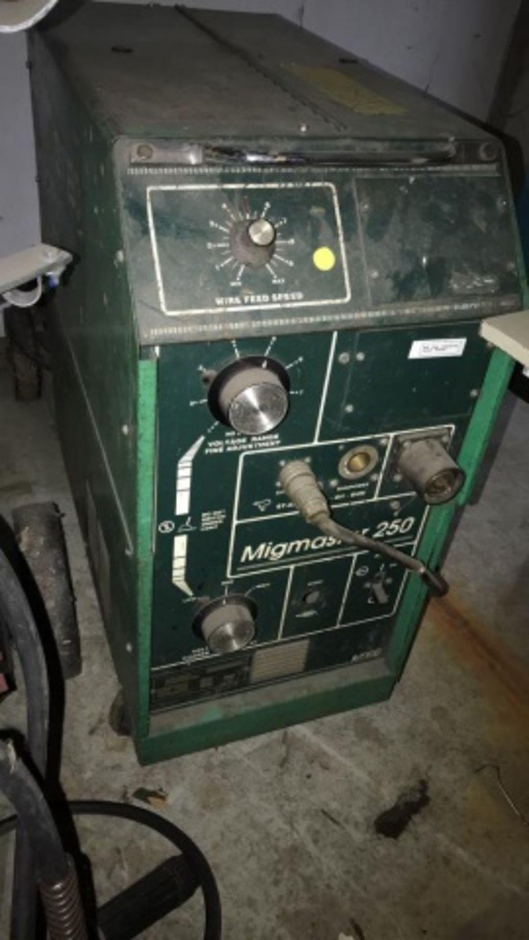 L-Tec Mig Master 250 mig welder - Image 2 of 2