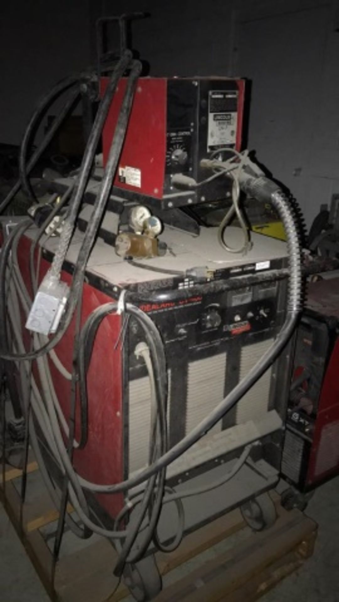 Lincoln Idealarc CV-400 DC Welding Power source - Image 2 of 2
