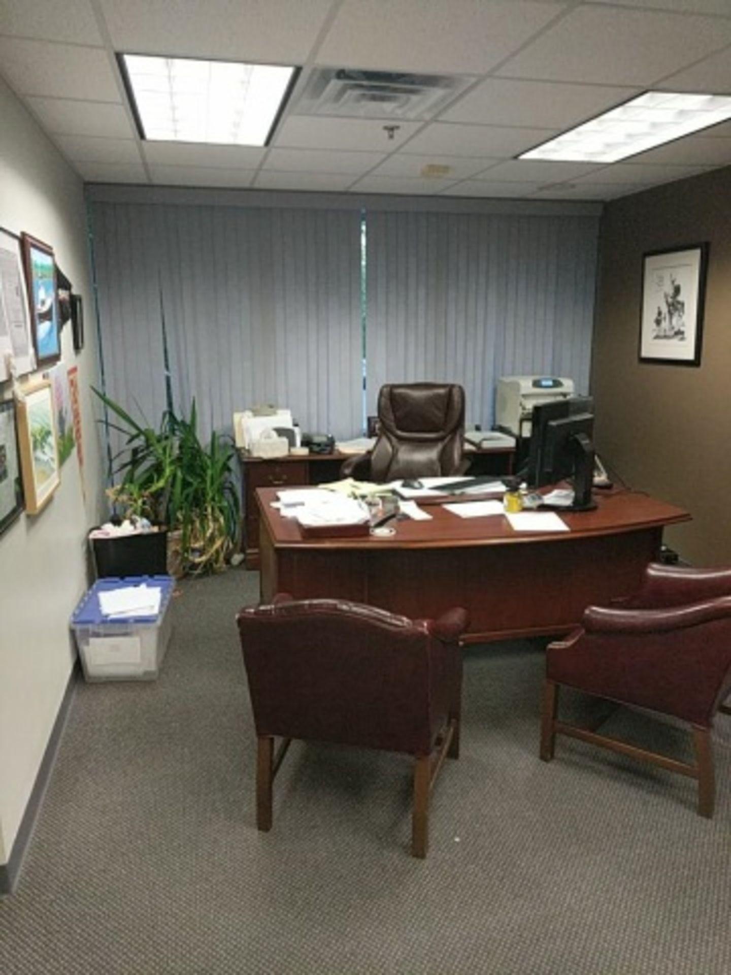 Lot 24 - Executive Office