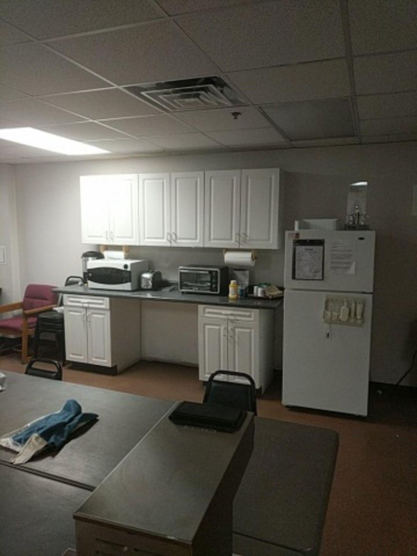 Lot 27 - Break Room