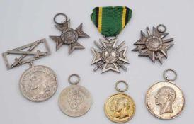 Sieben Orden / Medaillen Sachsen-WeimarErhaltungen meist schön bis sehr schön 1) Silbernes