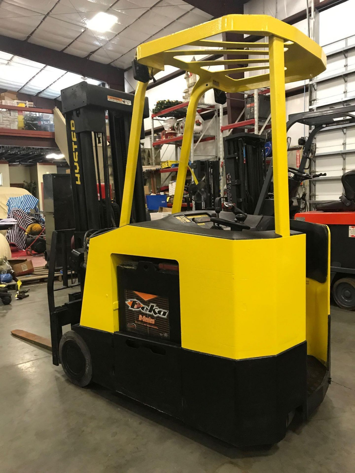 Lot 41B - HYSTER ELECTRIC STAND ON FORKLIFT