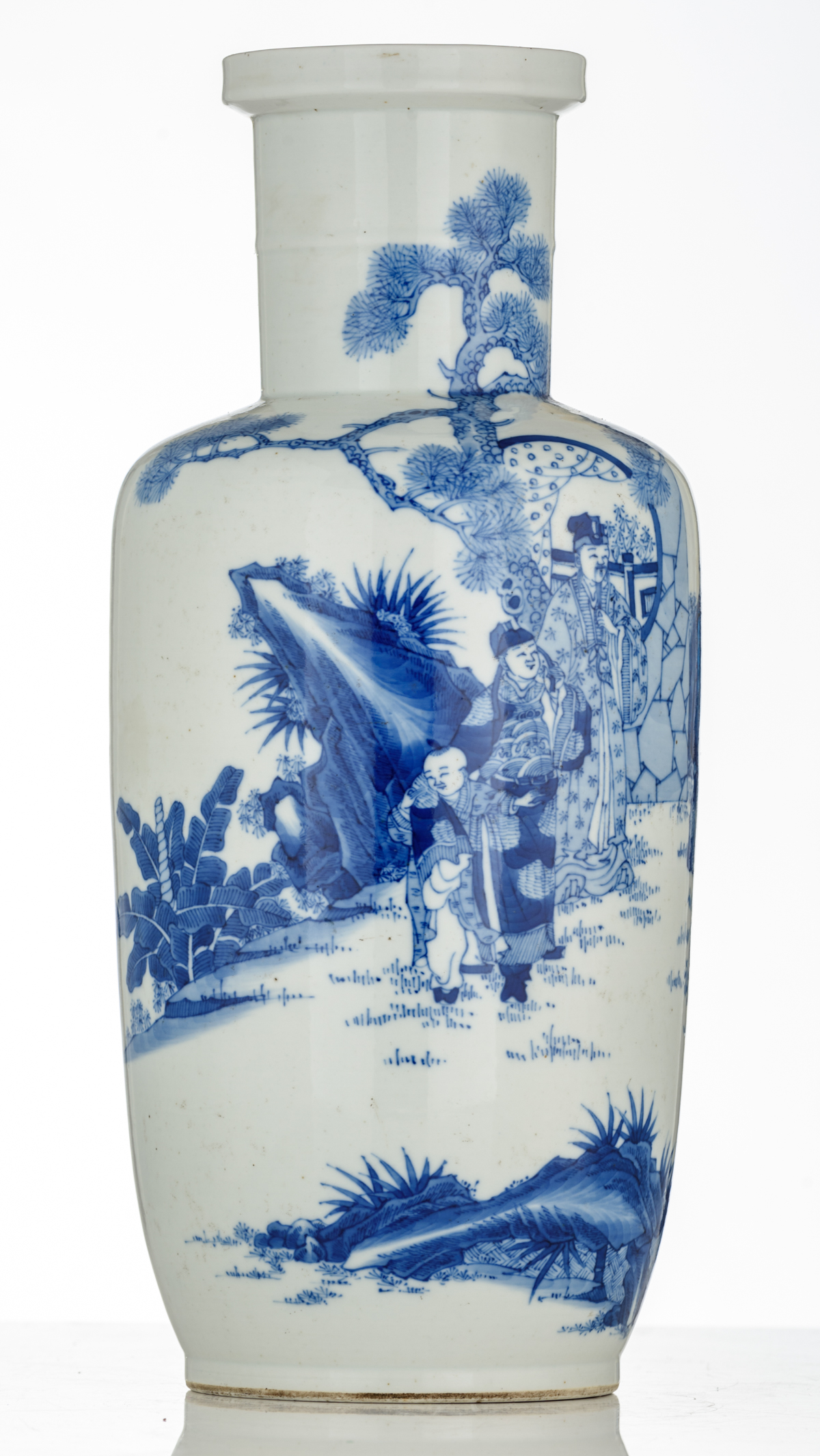 Lot 49 - A Chinese blue and white rouleau vase decorated with a scene depicting 'the visit of a friend', H