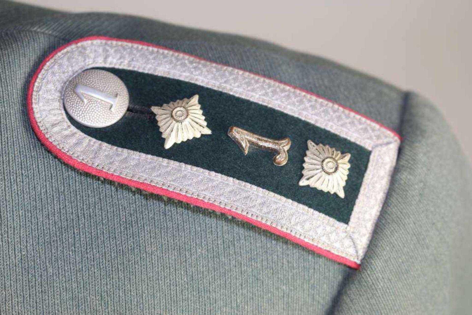 Wehrmacht Heer Waffenrock und Schirmmütze eines Kompaniefeldwebels der 1. Kompanie Panzerregiment 1. - Bild 3 aus 17