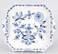 """TablettPorzellan, Meissen, um 1900 Unterglasurblauer """"Zwiebelmuster""""-Dekor. Oktogonalform m."""