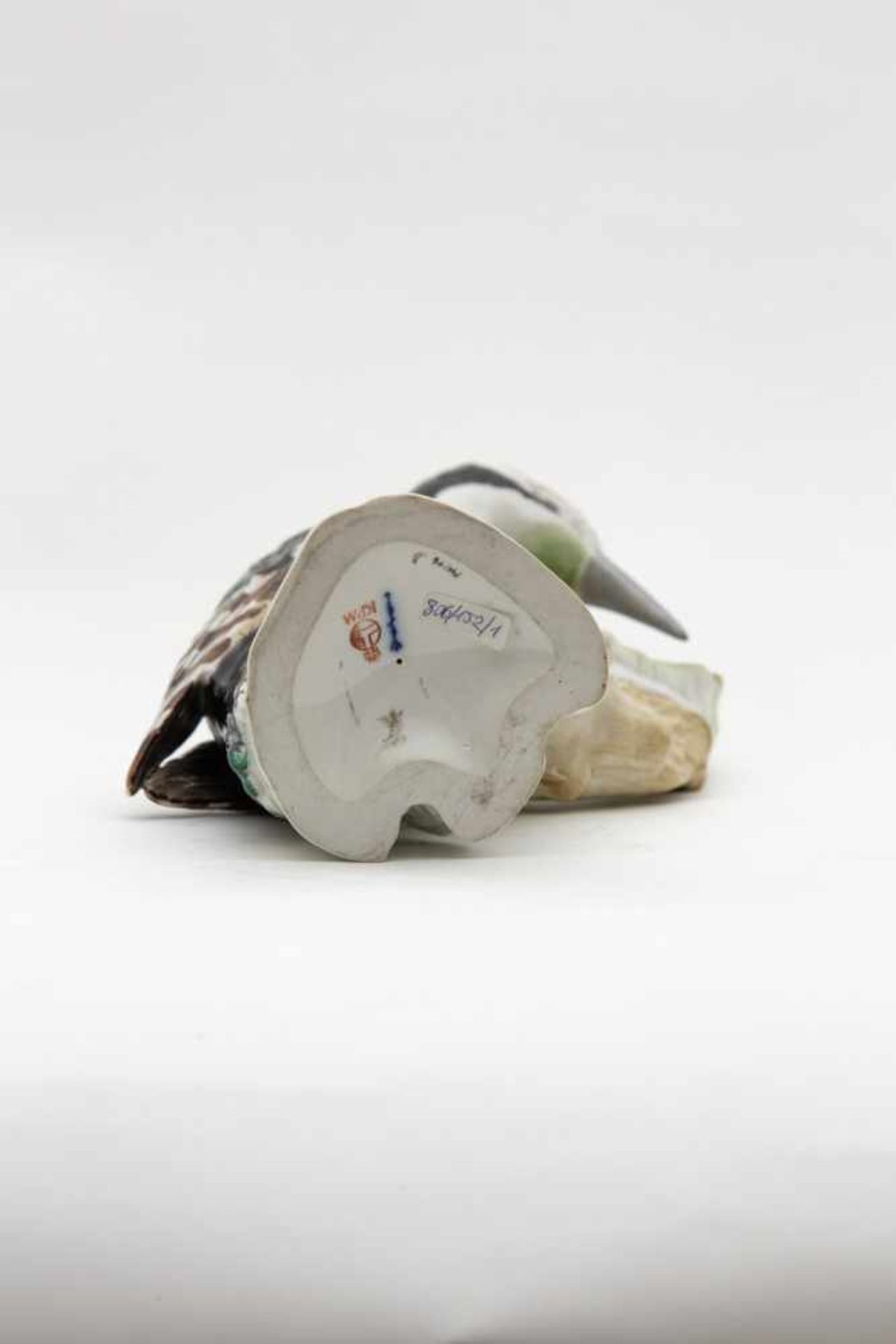"""KPM Figur,""""Weintraubenverkäufer"""", blaue Zeptermarke und rote Reichsapfelmarke, Höhe 22 cm - Bild 3 aus 3"""