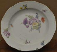 Meissen Teller,blaue Schwertermarke Meissen, Blumen und Goldrand, Dm 24 cm, kl Chip am Rand
