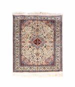 IsfahanWolle auf Wolle, 186 cm x 125 cmDieses Los wird in einer online-Auktion ohne Publikum