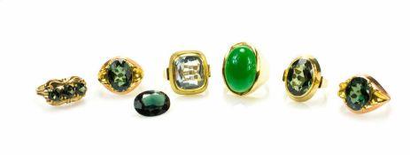 Konvolut Schmuckobjekte7-tlg., 6 Damenringe und ein loser Stein, 585 und 333 Gelbgold, ein