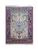 IsfahanBaumwolle auf Wolle, 174 cm x 111 cmDieses Los wird in einer online-Auktion ohne Publikum