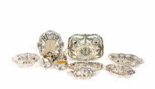Konvolut Silberobjekte11-tlg., Deutschland, 800 und 835 Silber, 6 Durchbruchschalen, 2 Kännchen, 2