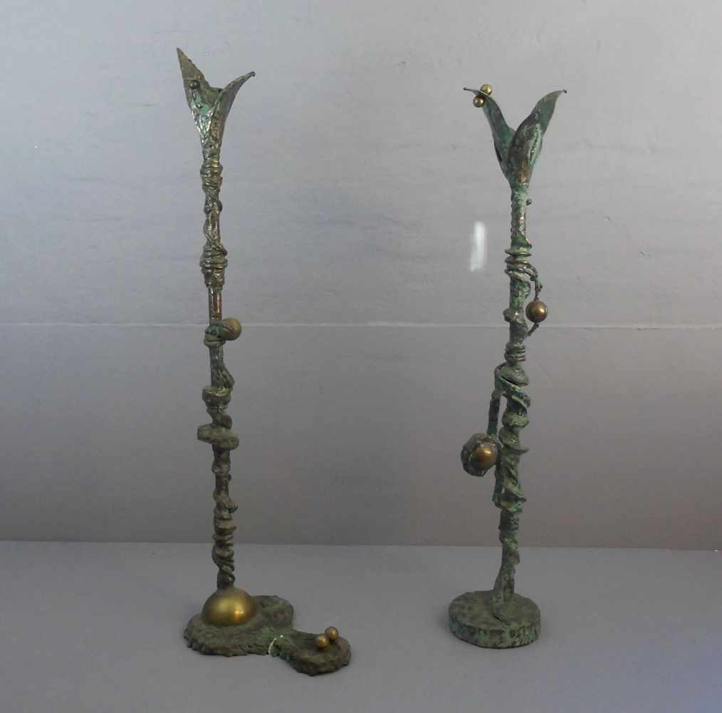 Lot 53 - FRIEDRICH, REINHARD (Bildhauer aus Recklinghausen), Skulpturenpaar / Paar Kerzenleuchter, Bronze,