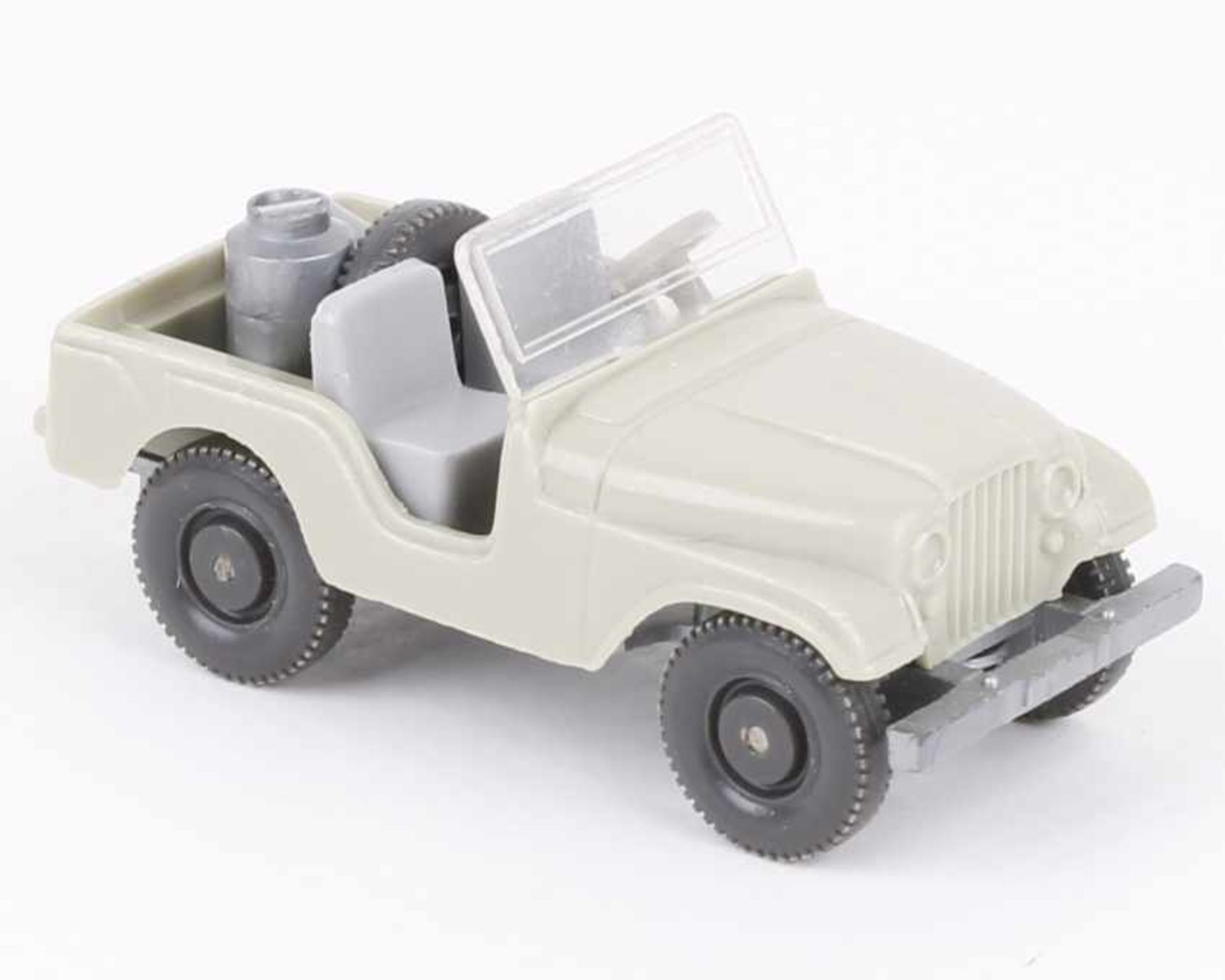 Los 1047 - WikingFarmer Jeep h'grünbeige12/2b, neuwertig