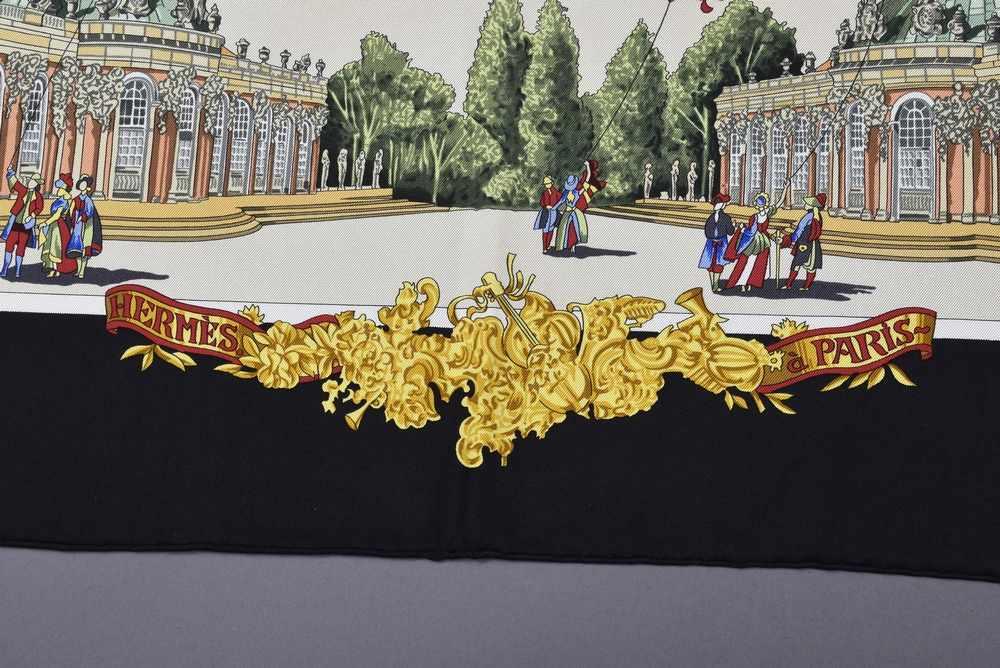 """Lot 4 - Hermès Carree """"Sanssoucy Voltaire - Friedrich"""", Entw.: Loic Dubigeon 1994, Seide, 90x90cmHermès"""