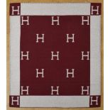 "Lot 20 - Hermès Decke ""H"" in bordeaux/ecru, 85% Wolle/15% Kaschmir, 166x136cmHermès Decke ''H'' in bordeaux/"