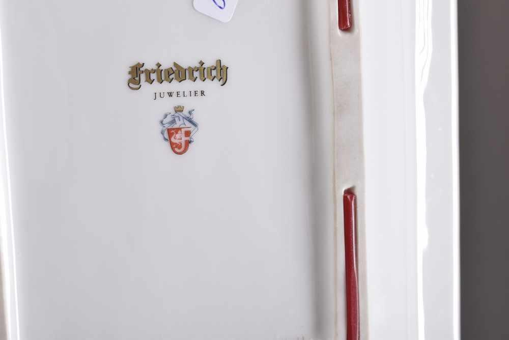 "Lot 40 - Juwelier Friedrich Ascher ""Pferdeportrait"" handbemalt, sign. ""Knobl"", 22,5x18,5cmJeweller"
