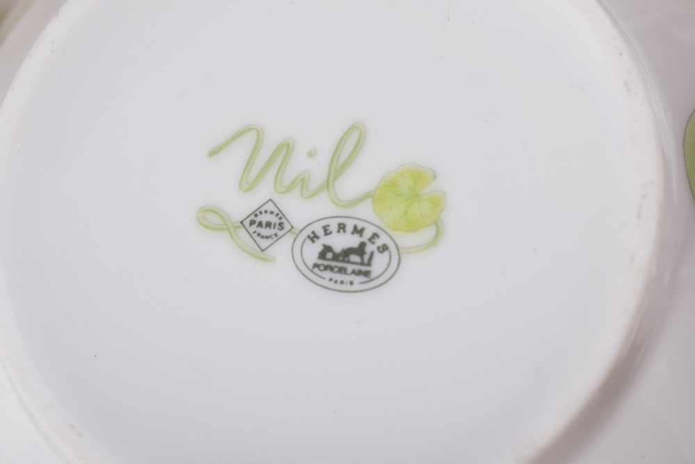 """Lot 23 - Große Hermès Tasse """"Nil"""", farbiges Druckdekor, in Originalkarton, H. 8cm, UT Ø 18cmLarge Hermès"""