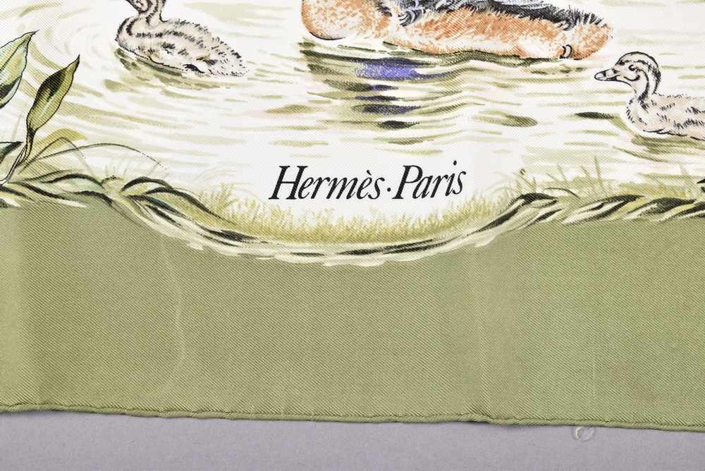 """Lot 13 - Hermès Carree """"Halte en Camargue"""", Entw.: Robert Dallet 1988, Seide, 90x90cm, verschmutztHermès"""