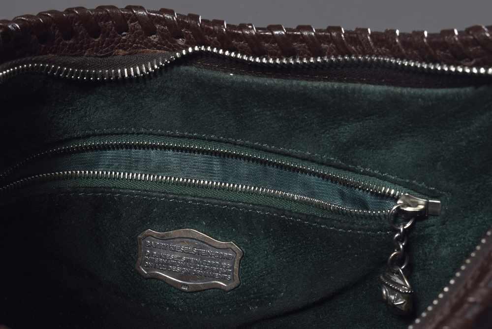 """Lot 49 - Barry Kieselstein-Cord Schultertasche mit Silber 925er Details sowie halbplastischem """"Pferdekopf"""","""