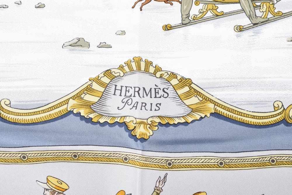 """Lot 9 - Hermès Carree """"Les plaisieres du froid"""", Entw.: Hugo Grykar 1953, Seide, 90x90cmHermès Carree ''"""