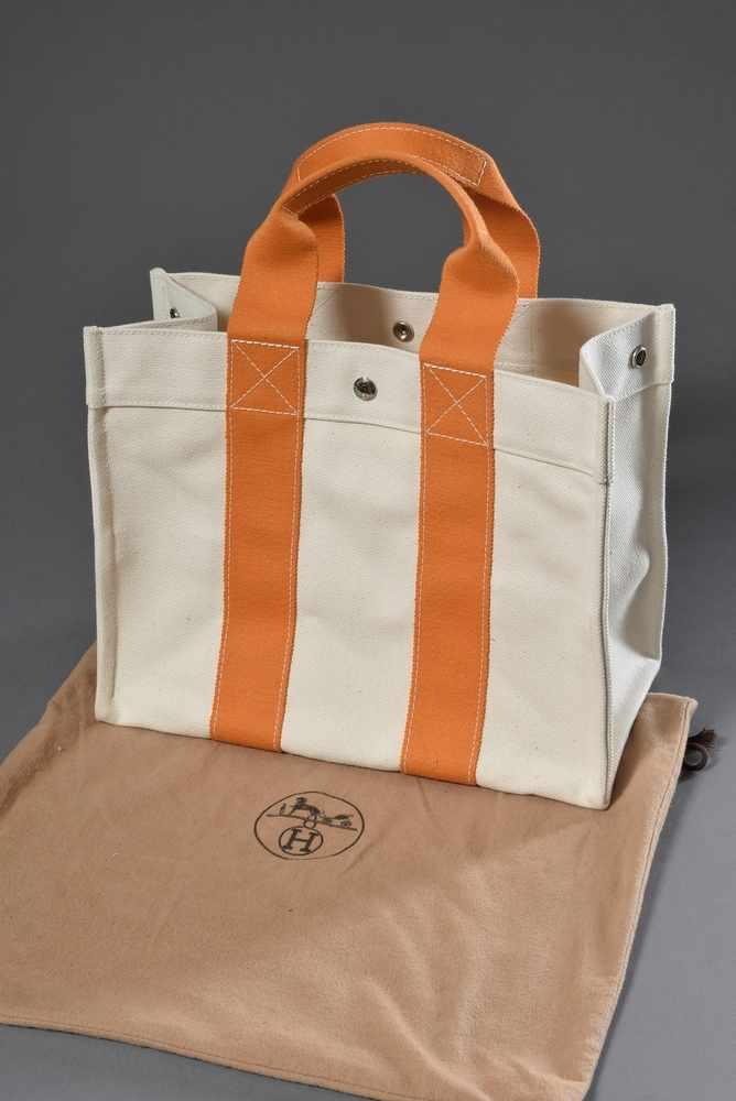 Lot 3 - Hermès Leinen Strandtasche, ecru Leinen mit orangefarbenen Bändern, unbenutzt, 28x36cmHermès linen